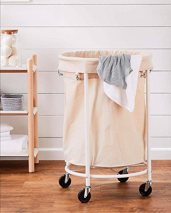 Cesta para la ropa sucia con ruedas
